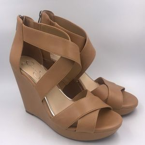 "Size 8.5 5"" tan wedge heeled sandals"